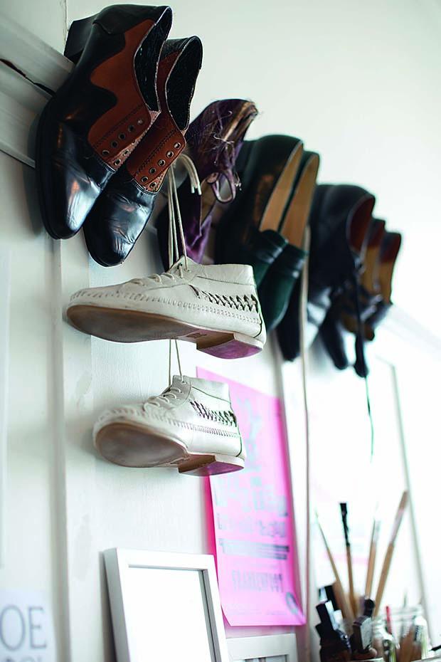 LL_67_Shoe_Maker_4b