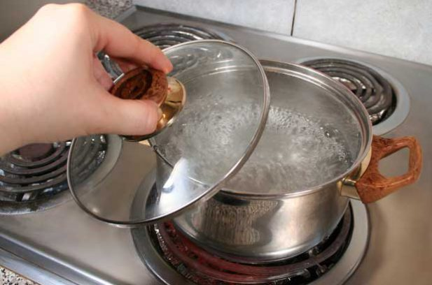 boiling water to sanitise