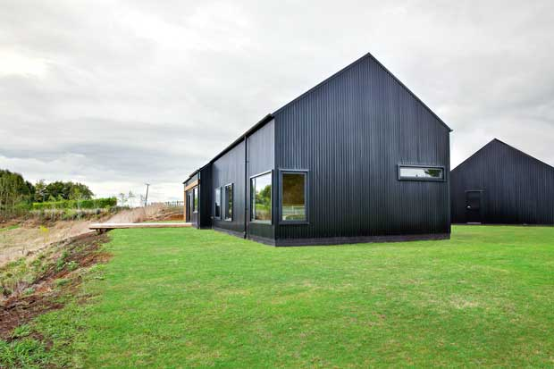 10 great ideas from a top new zealand barn thisnzlife for Modern new zealand homes