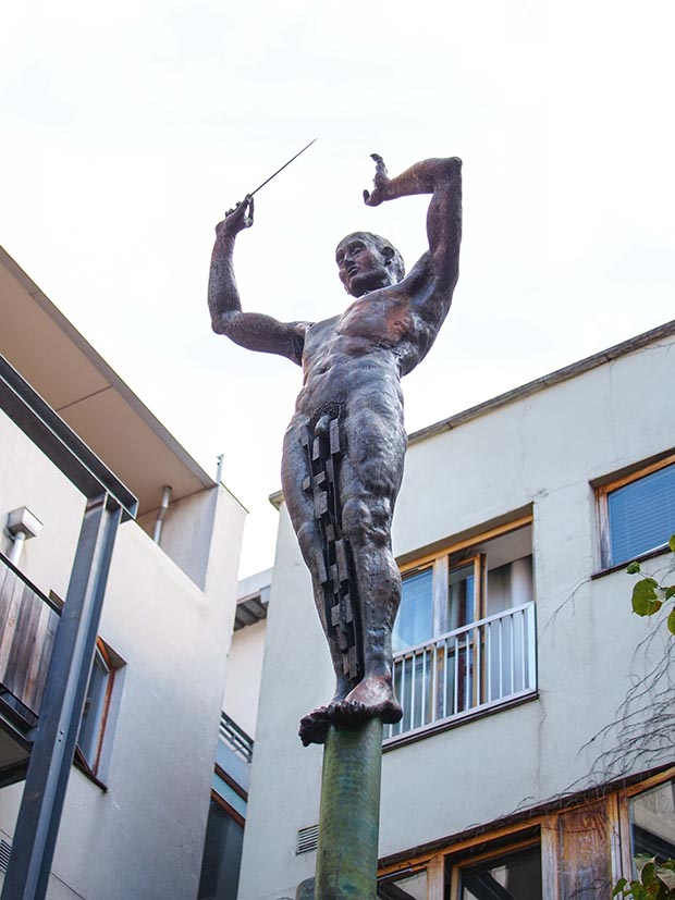 A bronze statue of Handel in a courtyard where once his Messiah was premiered in Dublin
