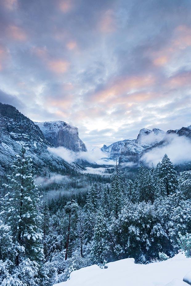 Sunrise from Tunnel View, Yosemite National Park, California.