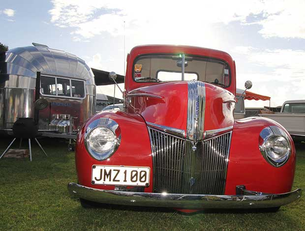 Classic car and caravan combos in New Zealand - thisNZlife