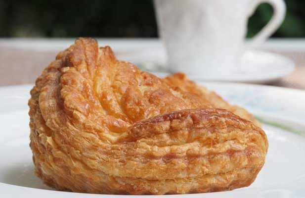 feijoa turnover pastry