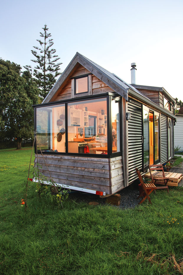 Camanda tiny house on wheels