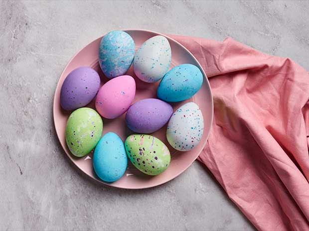 An Easy Kid Friendly Project 6 Ways To Decorate Easter Eggs